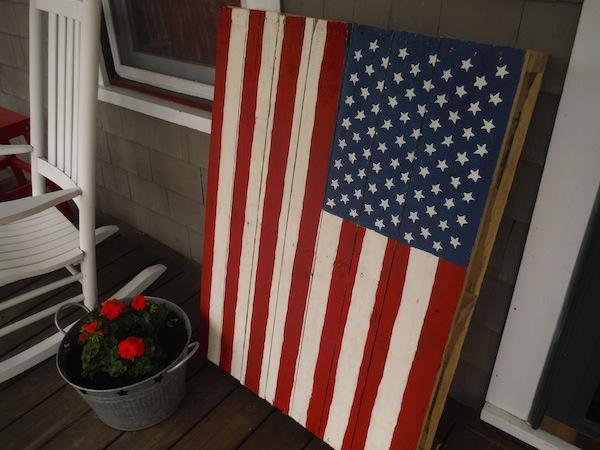 american-flag-pallet-board