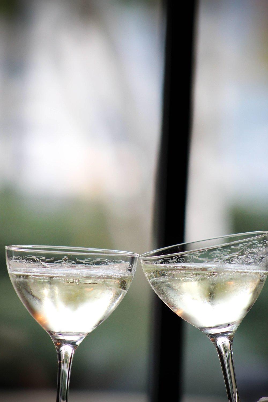 BeaconT_W_ChampagneToast_KW2-min.jpg