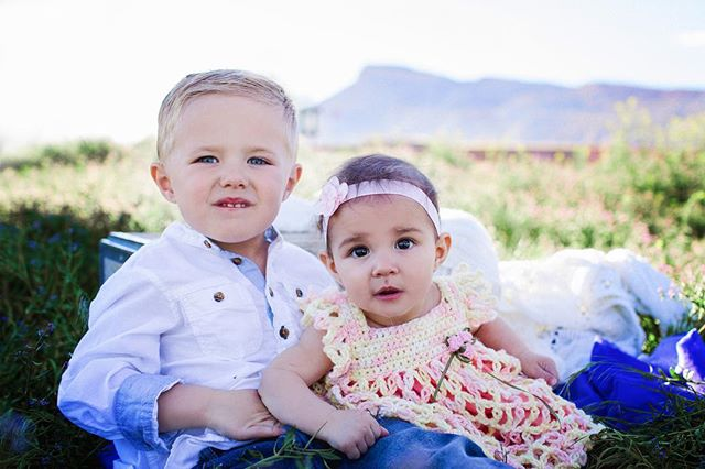 In my opinion, Not enough people take advantage of photo in springtime #coloradokids  #laceyborbaphotography #grandjunctionfamilyphotographer #letthekids #letthembelittle #speaktomysoul #simplychildren #magicllychaotic #thehappynow #nothingisordinary #liveauthentic