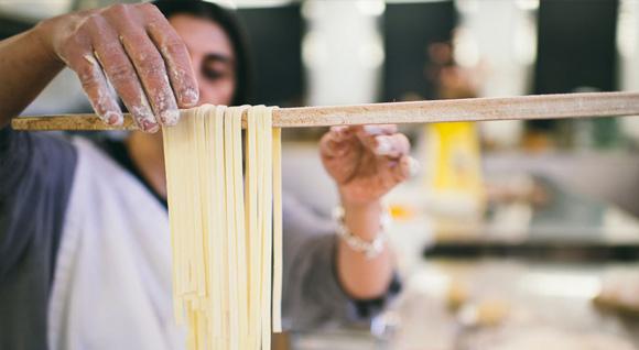 devenez-de-veritables-chefs-en-herbe-a-latelier-de-franca-mazza-1284061-regular.jpg