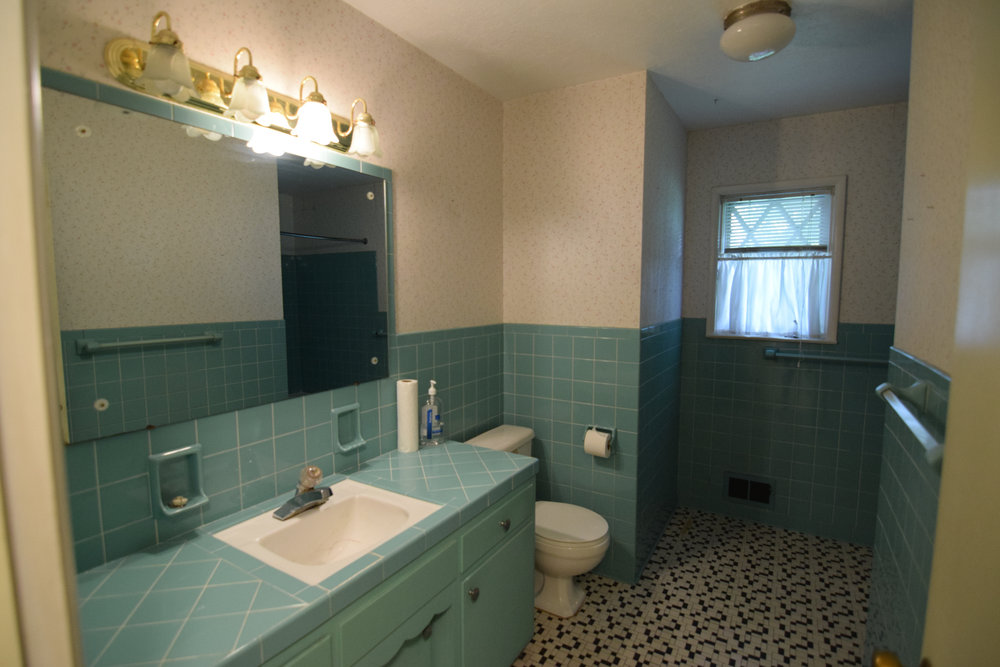 Monarch Homes | The House Next Door | Guest Bathroom - Before