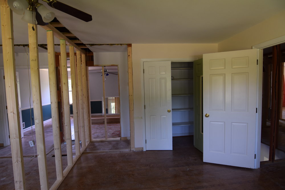 Hannah Barton - Monarch Homes The Engagement House Bedroom 4 Updates 04.JPG