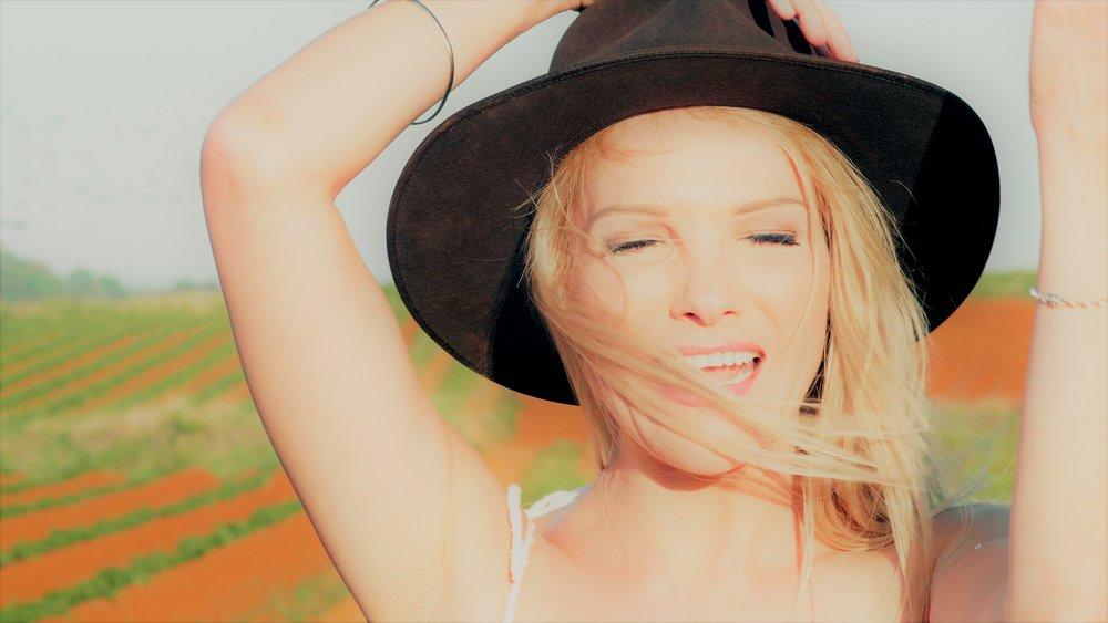 Anita Spring, Australian singer songwriter, country artist, big crush