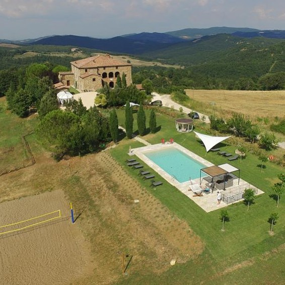 Make this gorgeous private villa your home for a week in September! Our VINO & VINYASA RETREAT in Tuscany, Italy will be a week filled with yoga, meditation, fresh food, local wine, excursions, connecting deeper within, and forming amazing new friendships. We have a great group already forming for this wonderful week away! . September 15 - 21, 2019 with @katienesbittyoga and @amsbeach. Join these two beautiful souls for a week you'll never forget!