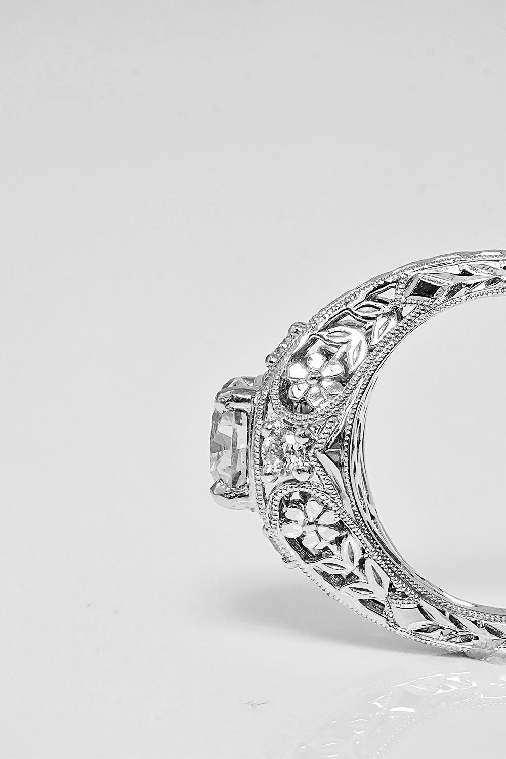 product-photography-southeastern-jewelers-diamond-engagement-ring.jpg
