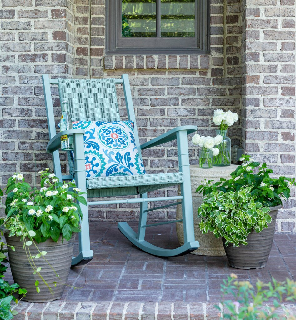 Peak Season collaborated with CountryLiving to create rocking chairs with cup holders. The perfect rocking chair for every front porch.
