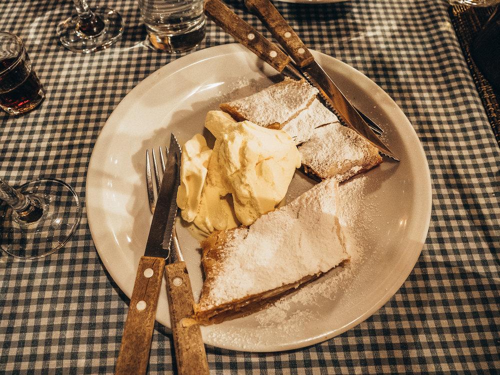 Vanilla-Ice cream dessert