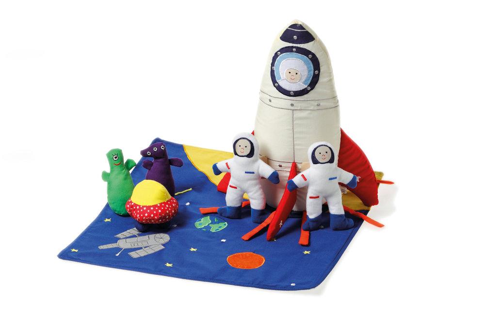 215 spaceship.jpg