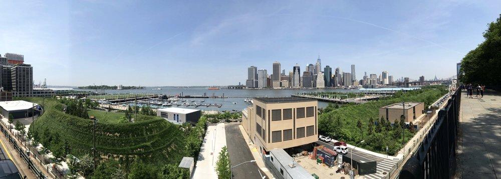 View from Brooklyn Heights Promenade towards Lower Manhattan over the Brooklyn Bridge Park