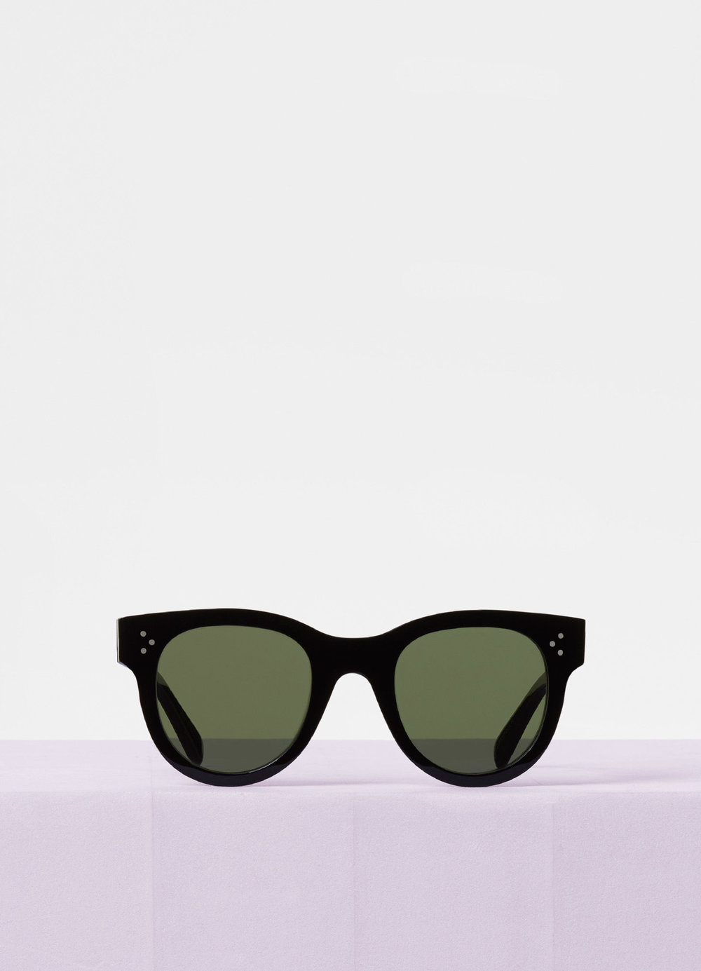 CELINE- CL40003I Sunglasses   £290 (Sold out)   COLOUR  Black/Gradient smoke lens   CATEGORY  SUN   MATERIAL  Acetate frame with mineral glass lenses   SHAPE  Cat Eye