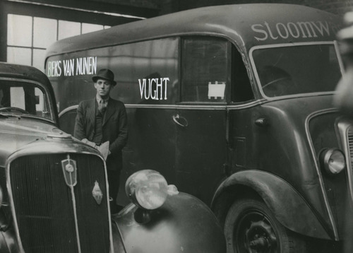 A laundry van in which Frans Goedhart was almost whisked to safety. ( Image Bank WW2 - NIOD - van Heuven Goedhart )