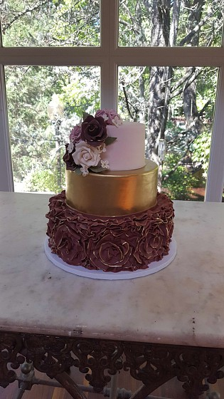 Peri's Ruffle Cake.jpg