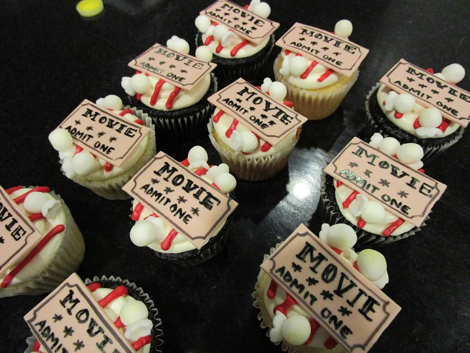 Peri's movie theater cupcakes.jpg