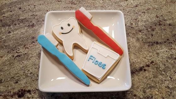 Peri's dentist cookies.jpg