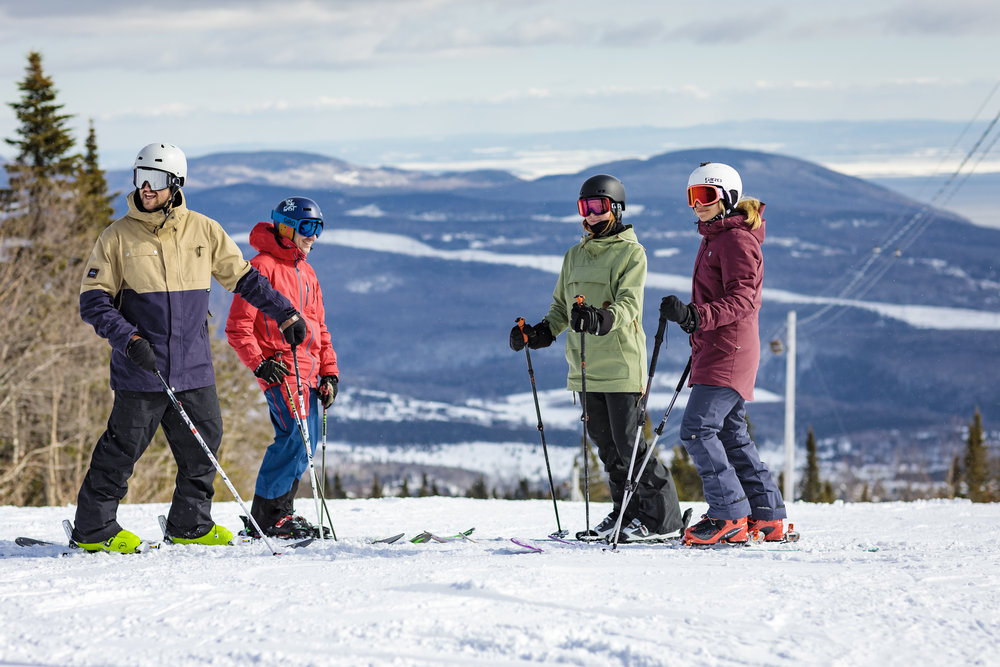 Campagne Ski - (7 novembre au 11 mars 2018)Promouvoir l'offre de vacances ski et la qualité des installations.Marchés ciblesÉtats-Unis, Ontario et MaritimesObjectifsÉtablir la notoriétéSe démarquer de la concurrenceAugmenter la vente de billets de ski hors QuébecContribuer à la hausse de l'achalandage dans les régions cibléesRésultats1 972 000 vues des vidéos9 280 clics sur les régions et montagnes