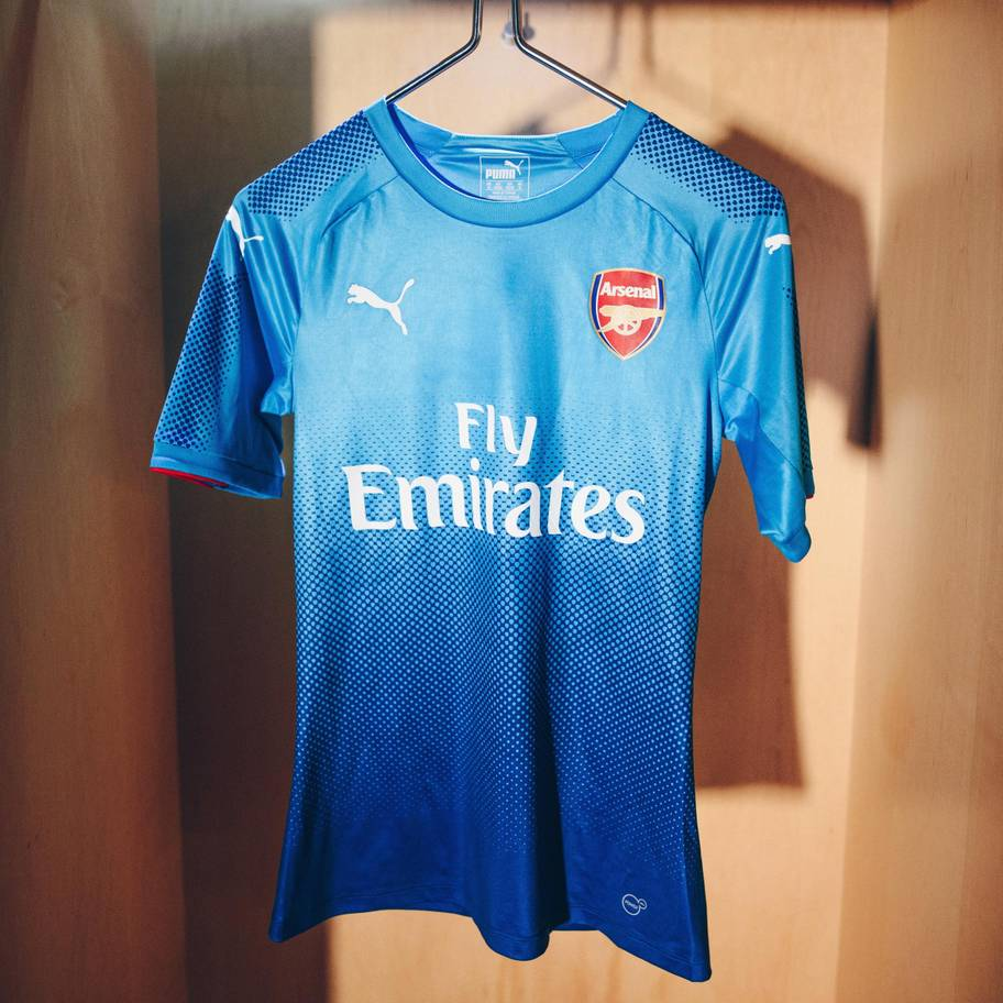 17aw-pr-ts-football-arsenal-away-4.jpg