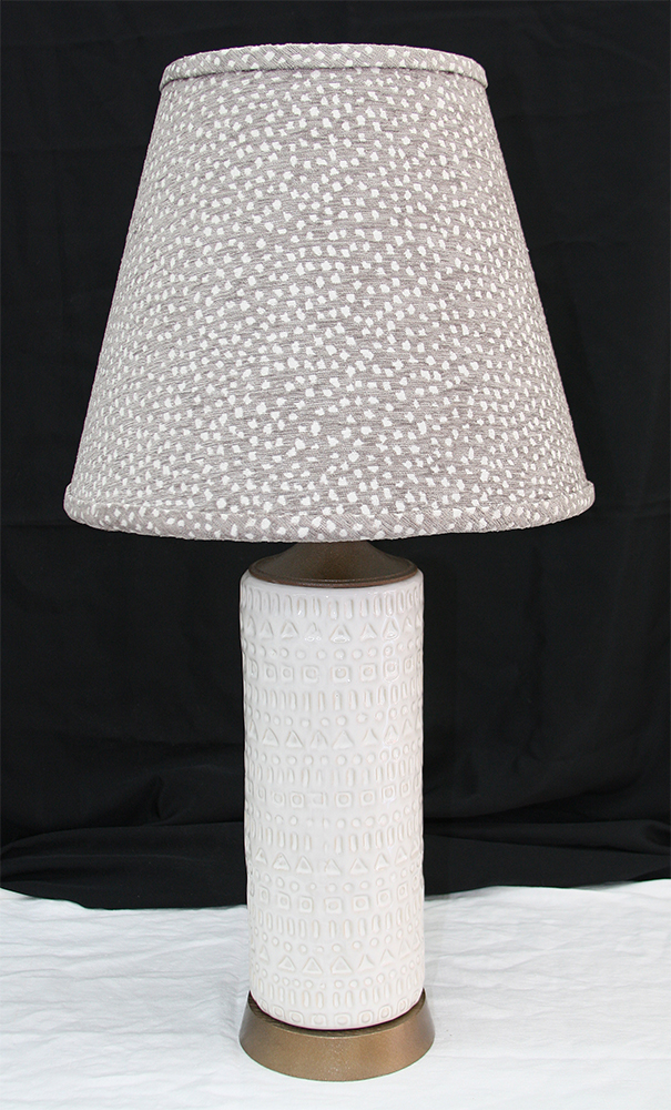 White ceramic lamp SM.JPG