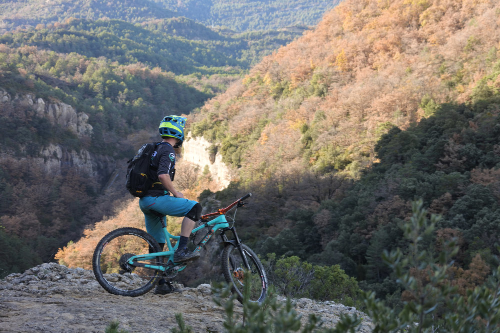unbeaten-adventures-mountain-biking-pyrenees-zona-zero-ainsa-mctrail-rider-el-confesionario.jpg