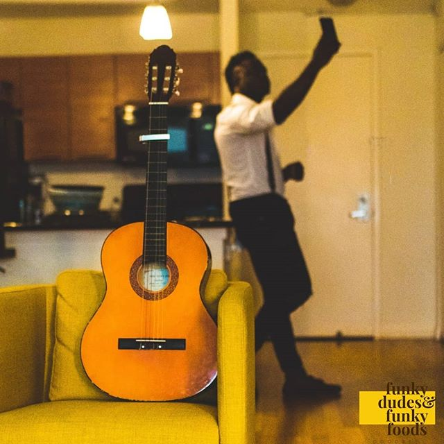 Ugh, it's finally Saturday. We're ready for a night out on the town and Austin is known for its live music. Where do you like to go listen to live music? . . . . . . #funkydudesfunkyfoods #podcast #music #guitar #selfies #yellowchair #datenight #date #apartment #man #guy #fdff #selfie #saturday #austin #livemusic