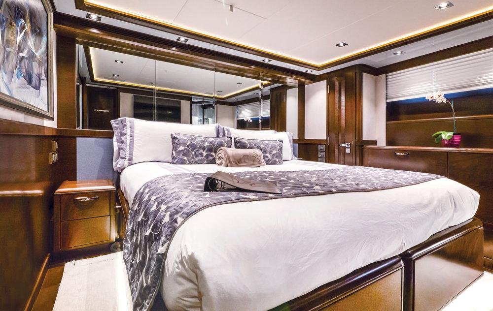 Luxury Charter Yacht Vivierae II Guest Stateroom