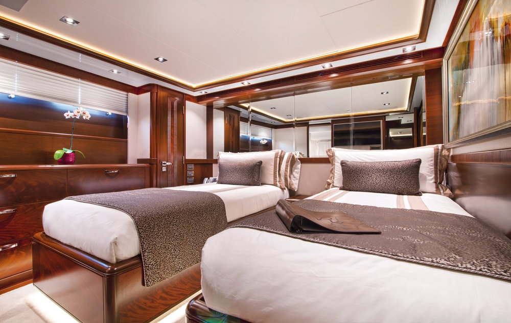 Luxury Charter Yacht Vivierae II Convertible Twin Guest Stateroom