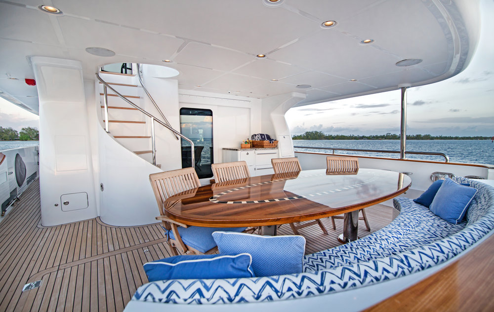 Luxury Charter Yacht Vivierae II Aft Deck