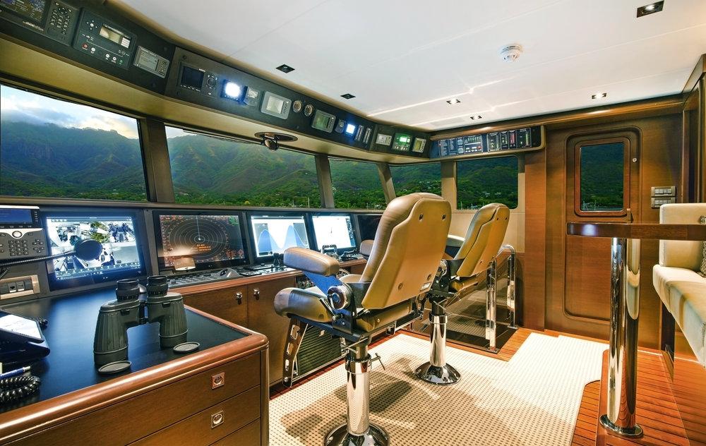 Luxury Charter Yacht Vivierae II Wheelhouse