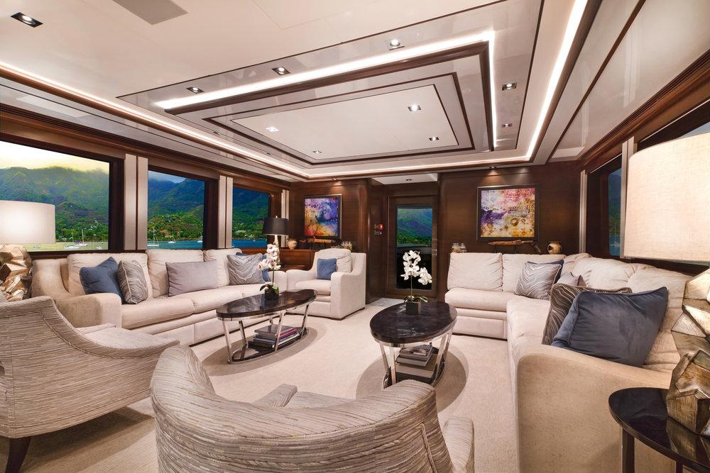 Luxury Charter Yacht Vivierae II Salon