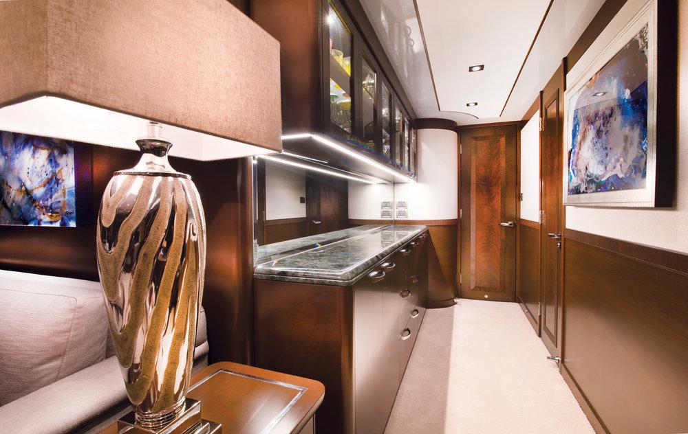Luxury Charter Yacht Vivierae II Sky Lounge