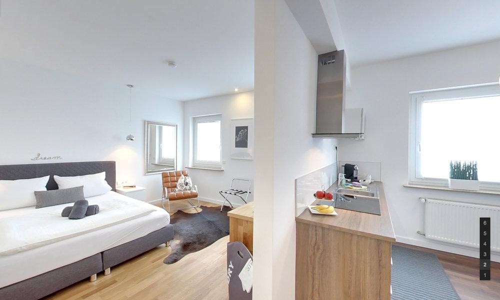 Hotel_Zimmer_7.jpg