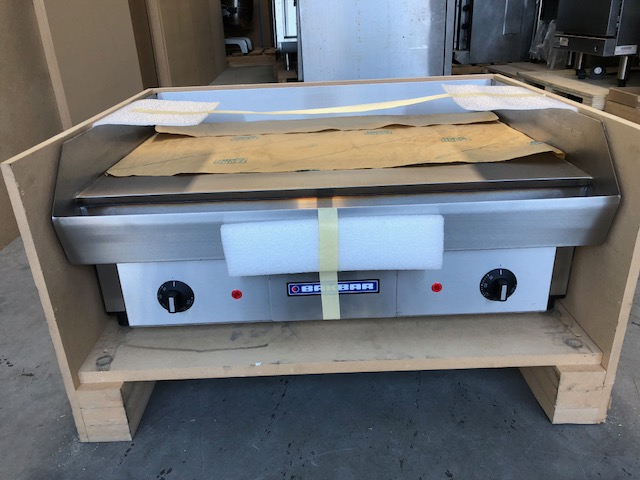 Bakbar E92 Bench Top Griddle - New - SHOP SOILED EX DISPLAY   $ 900.00 + GST   Ideal for Burgers or Breakfasts, Large Cooking Area, Does Not Require Extraction  Dimensions : 700W x 520D x 300H