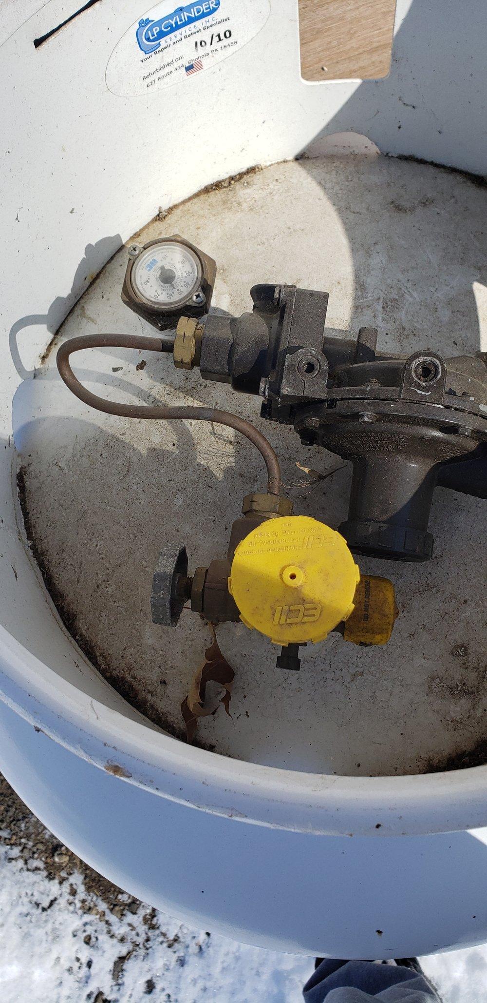 Propane Shutoff (top of tank)