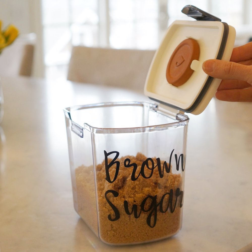brown sugar container with vinyl label