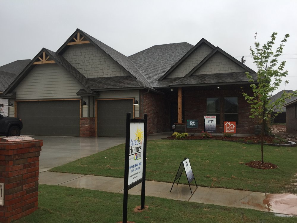 rustic front elevation of house parade of homes.JPG