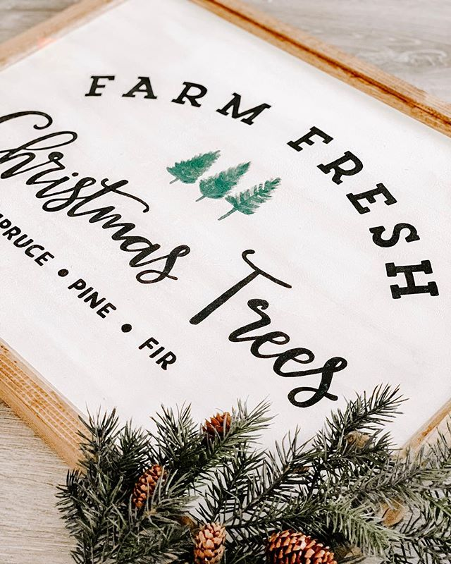 Because nothing beats having a fresh Christmas tree up for the holidays 🎄✨ . . . #thecraftedhome #customsigns #christmas #christmasdecor #handcrafted #handpainted #homemade #homedecor #homedesign #christmastree