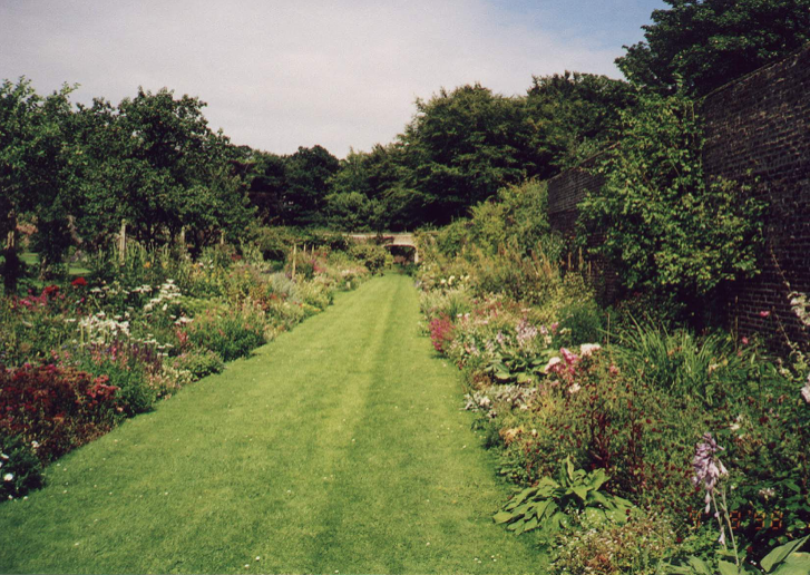 1998 – SECOND BORDER IN FULL BLOOM
