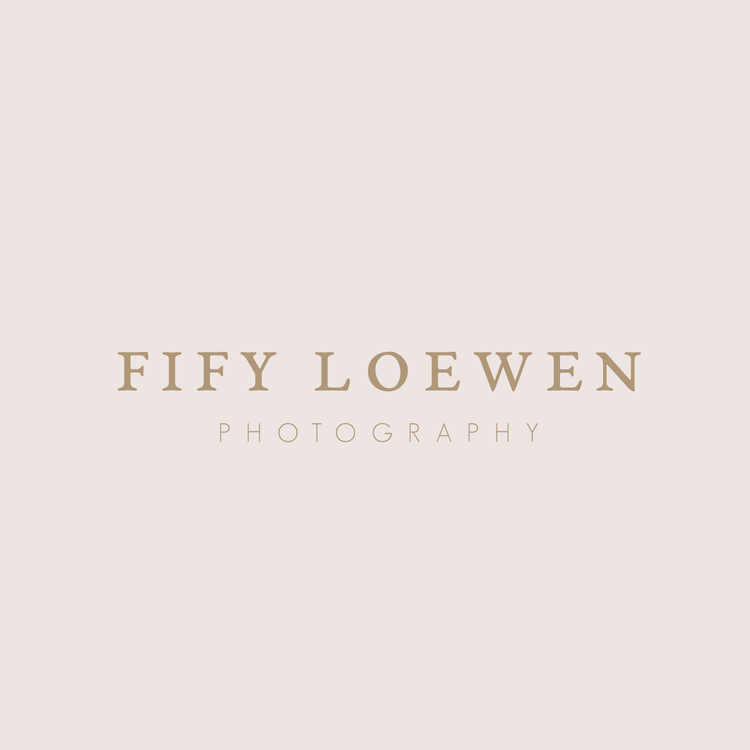 isa-seminega-brand-logo-designer-photographer.png
