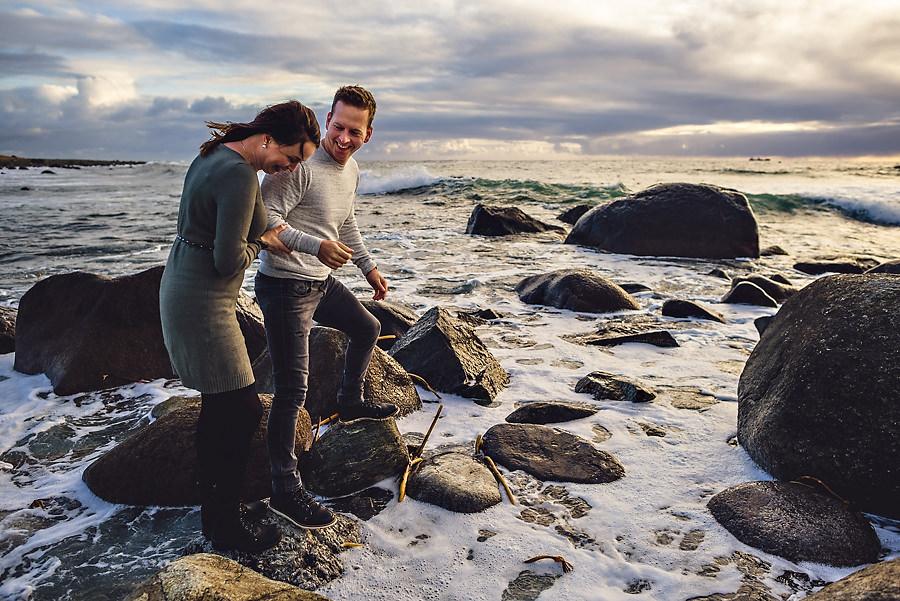 forlovelsesbilder ved sjøen