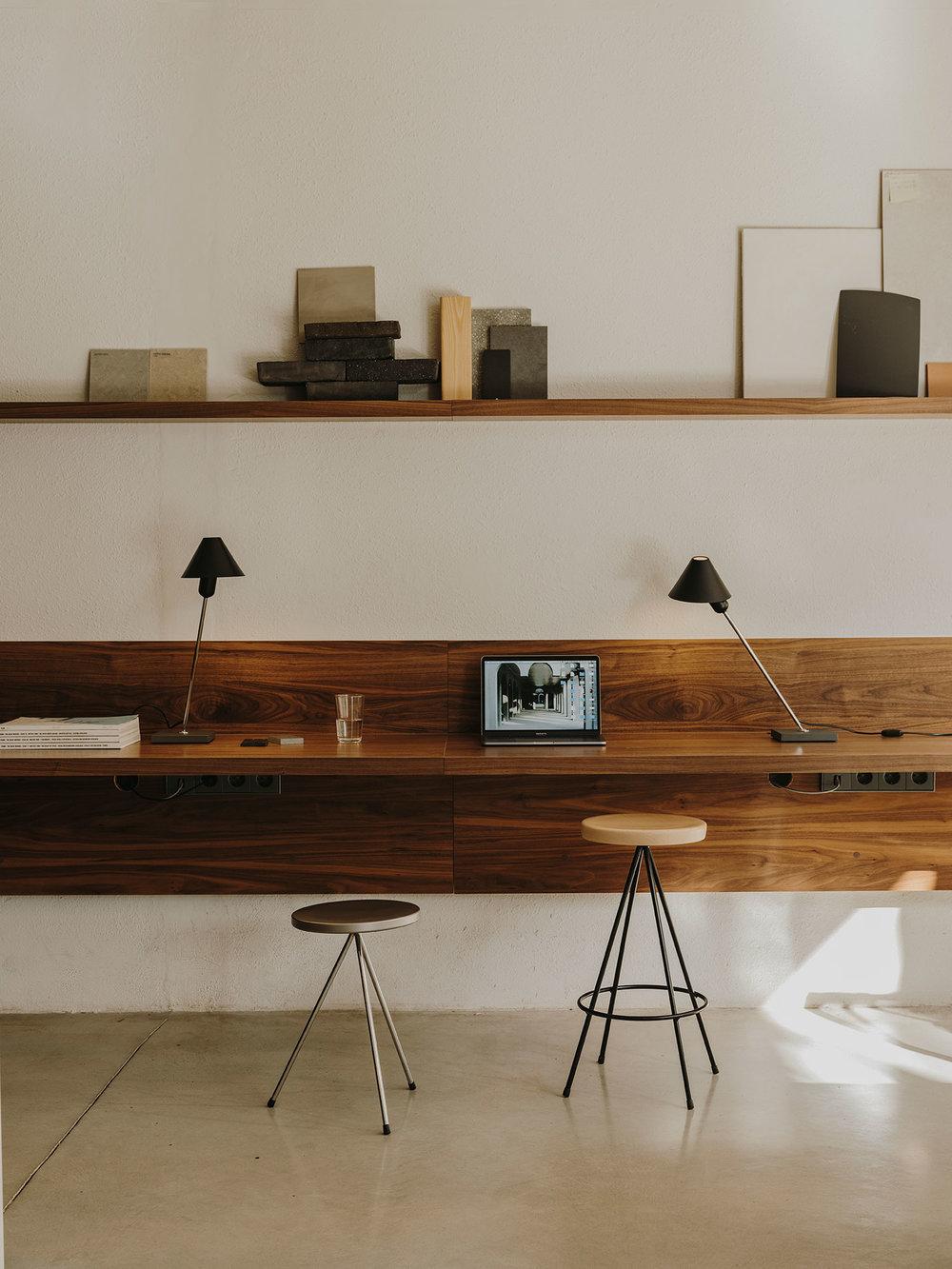 SANTACOLE_TABLE_LAMPS_Gira_Lopez__Salva_6-web.jpg