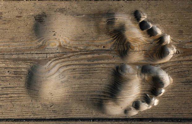 footprints_1356062i.jpg