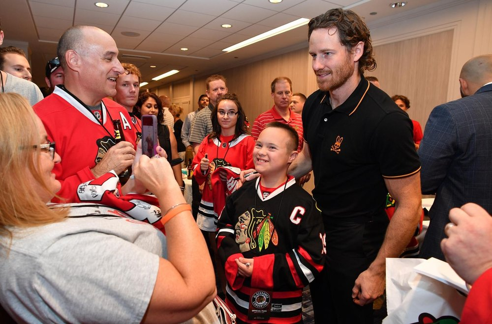 DuncanKeith-BlackhawksConvention.jpg
