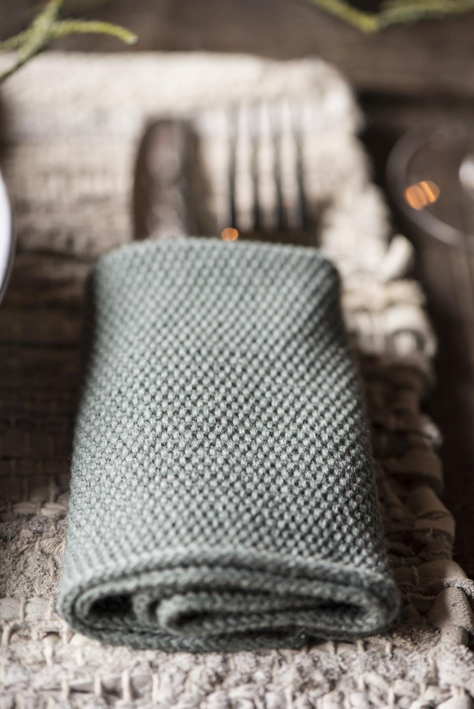 Knitted napkin groengrijs_1.jpg