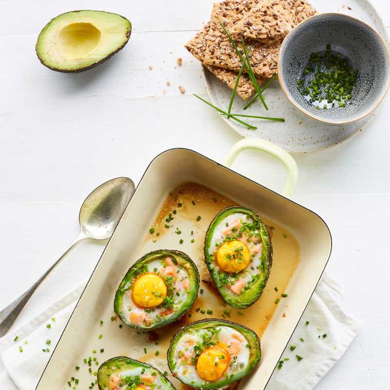 Avocado-met-zalmsnippers-Vivian-Reijs-Gezonder-met-Viv(3).jpg