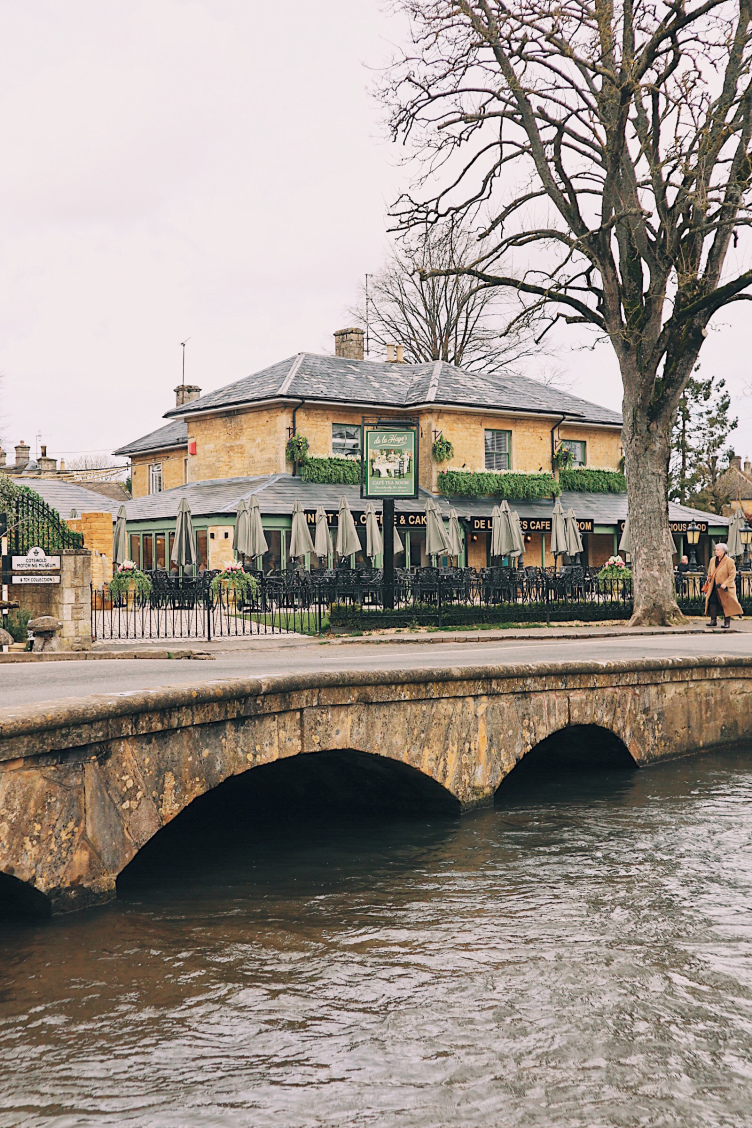 Bourton on the Water Pub.jpg