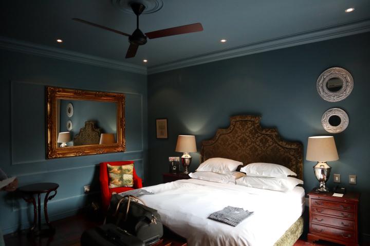 Winston Hotel Bedroom.jpg