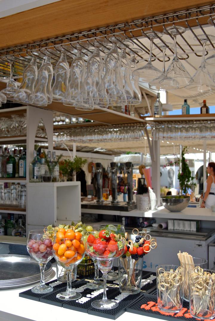 La Siesta Beach Bar Garnish.jpg