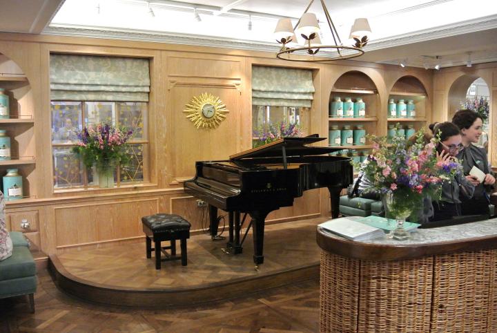 Fortnum and Mason Piano.jpg