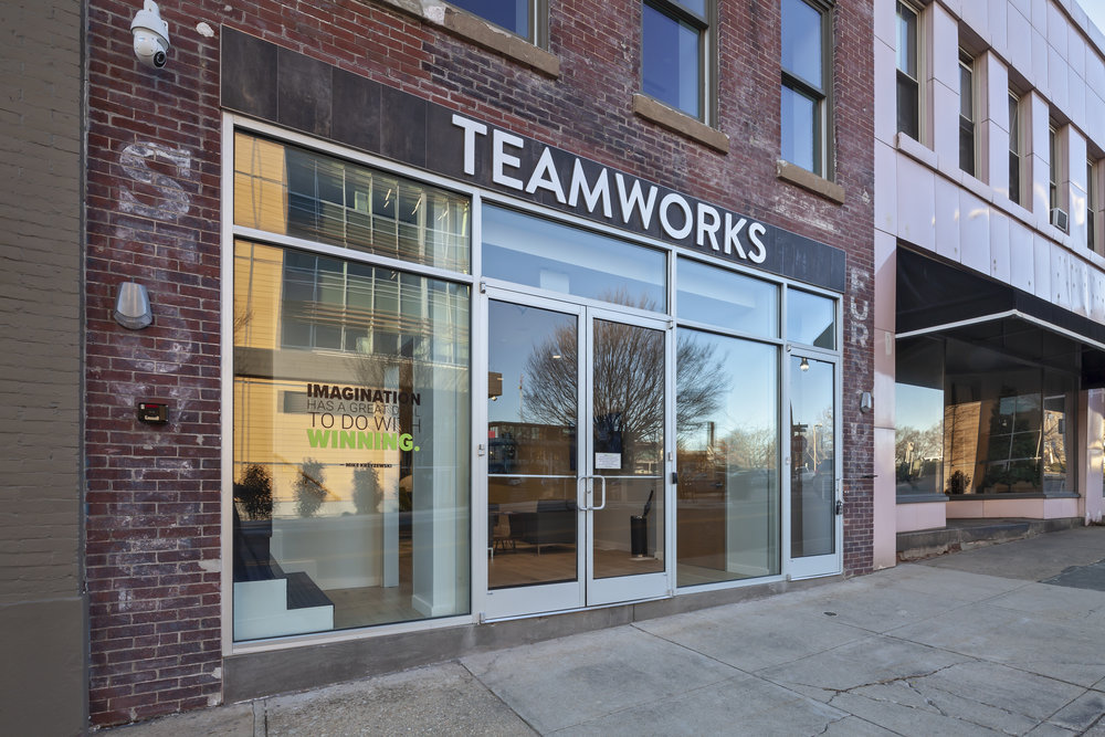 TEAMWORKS - DURHAM, NC15,000 SF•Software developer for the leading athlete engagement platform for sports.•Historic building, circa 1920's turned into a bustling office space.•Rooftop terrace design and connecting two buildings.•Blending modern tech aesthetic with the historic character of the building.