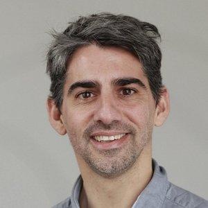 SEBASTIAN GARCIA, DIRECTOR -