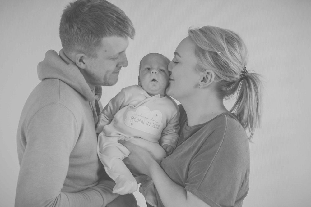 bradford-newborn-family-photoshoot-12.jpg